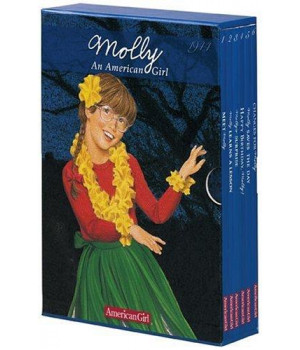 Molly\'s Boxed Set (American Girl Collection)